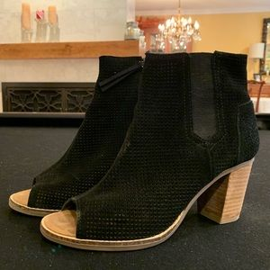 TOMS heeled boot